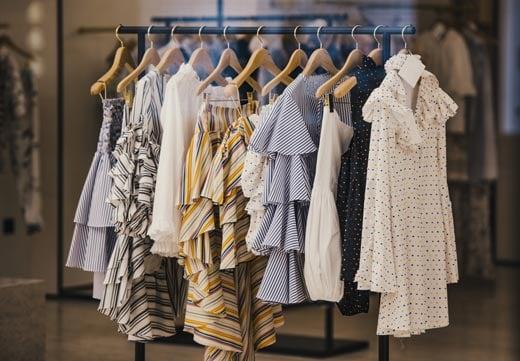 ファッションレンタルサービスを利用する上で考えられる三つのメリット